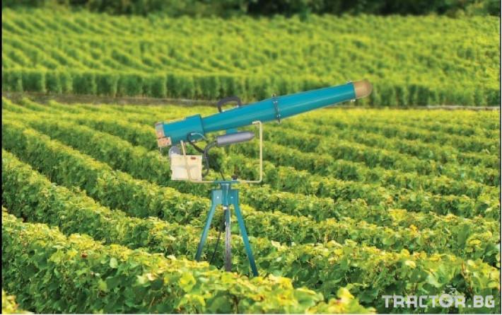 Машини за лозя / овошки Механично оръдие за птици (птицегон) 2 - Трактор БГ